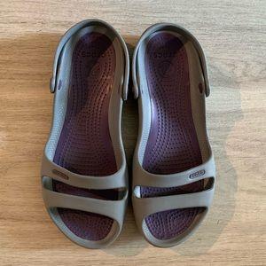 Women's 9 Crocs sandals